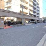 常磐CO-OPマンション 外観と前面道路