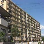 エメラルドマンション中山南壱番館 外観。9階建ての7階部分です。