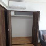 みゆきパークマンションB棟 洋室5.3帖クローゼットとエアコン
