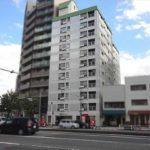 竹屋町マンション 外観。11階建ての最上階です。