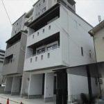 東区矢賀新町2丁目新築 外観。木造3階建てです。