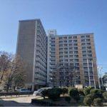 長寿園マンション 外観。13階建ての8階部分です。