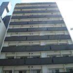 アクアシティ本川町 外観。13階建ての5階部分です。