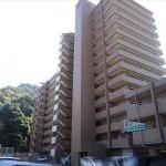 ヴィラージュ海田外観。14階建ての4階部分です。