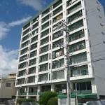 楠木マンション 外観。11階建ての5階部分です。