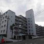 田方パークマンションA棟 外観。6階建ての4階部分です。