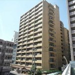 常磐CO-OPマンション 外観。15階建ての5階部分です。