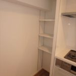長寿園マンション キッチンに便利な収納スペース付き♪