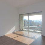 長寿園マンション 洋室6.7帖。南東向きの明るいお部屋です♪