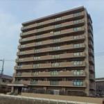 グラン・コート長楽寺 外観。10階建ての4階部分です。