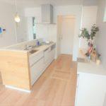 東区山根町新築 人気の対面式キッチン
