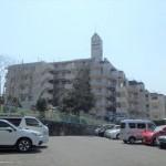 エーデル戸坂 現地外観。6階建ての3階部分です。