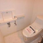 パークハイム牛田中 新設:手洗いカウンター付きのトイレです♪