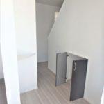呉市焼山宮ヶ迫1丁目新築 玄関ホールに小さな収納もございます♪