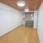 十日市ガーデンハイツ LDK13.3帖。リノベーションで新築のように生まれ変わった室内です(*^_^*)